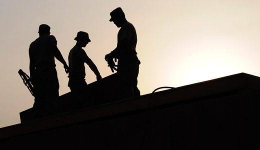 長時間労働は心房細動の発症リスクを上げますか?